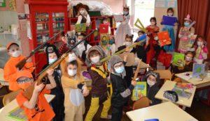 Groupe d'enfants_VP_l'école contre attaque